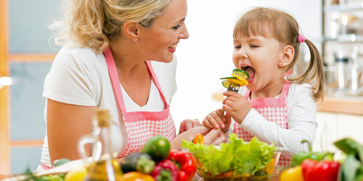Alimentazione e salute della bocca: i cibi amici dei denti